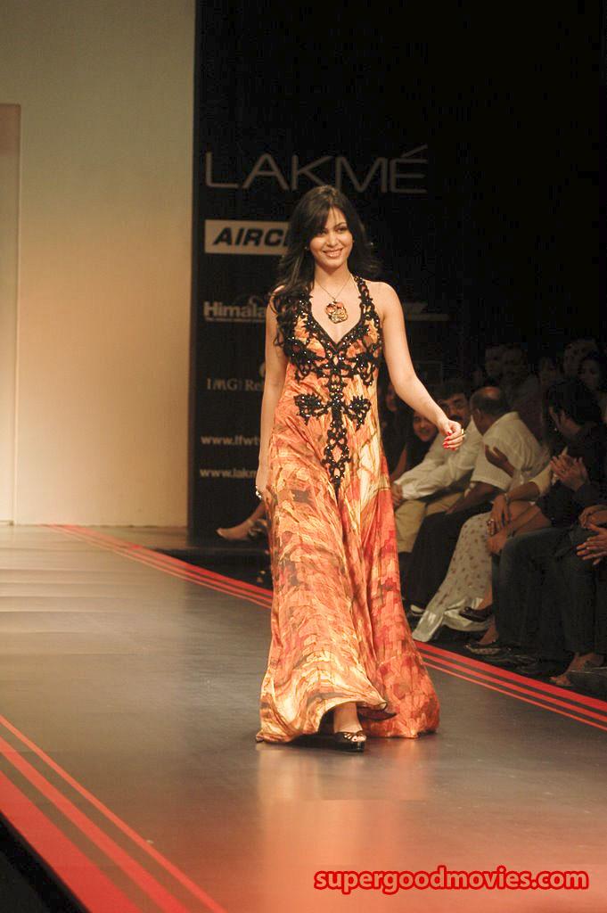 Ankita Shenoy Ramp Waalk Miss International 2011 Beautiful Indian Girl Vote